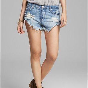 One Teaspoon Bandits twisted cuff jean shorts 26